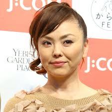 松田美由紀の息子で長男は松田龍平、次男は松田翔太。姉は熊谷真実。